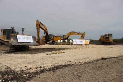 Skybox Datacenters broke ground and started construction on a new wholesale data center facility on March 29 at 6800 Communications Parkway in Plano.