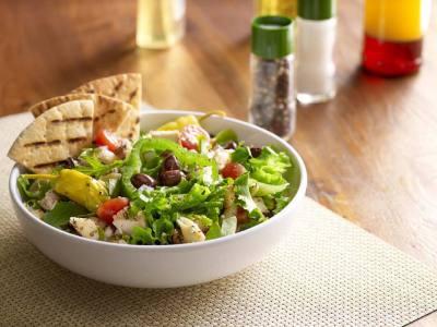 Mediterranean-style restaurant Zoes Kitchen opens.