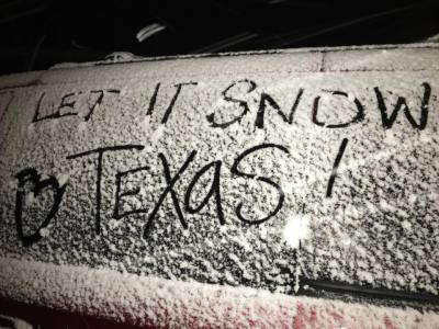 Snow began to fall in Austin around 6 p.m. on Thursday evening, Dec. 7.