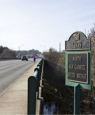 Georgetown and state transportation officials have extended a timeline for planning the Austin Avenue bridges' future.