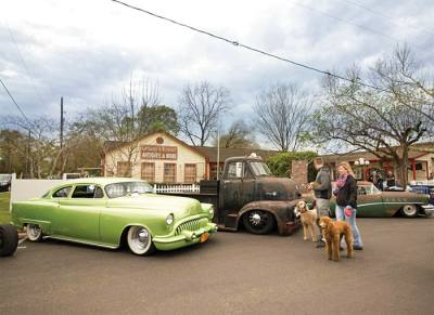 Rally in the Alley features pre-1968 vehicles, vendors, food and live music.