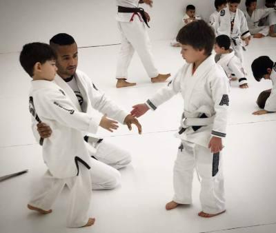 Reign Jiu-Jitsu Instructor Moon Kim teaches children defense skills