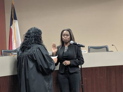 Allison Drew is sworn in as Fort Bend ISD trustee Position 5 at the May 13 meeting.
