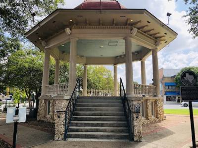 A New Braunfels Parks and Recreation project will repaint the bandstand over the next 3 weeks.